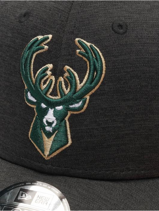 New Era snapback cap NBA Milwaukee Bucks Shadow Tech zwart
