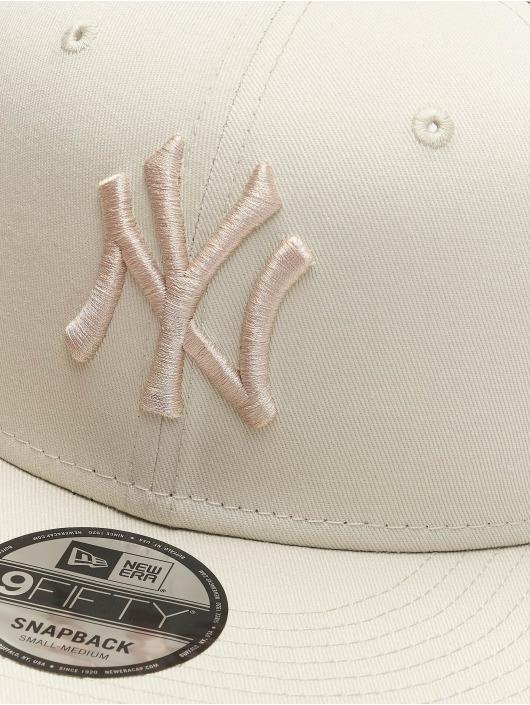 New Era Snapback Caps MLB NY Yankees League Essential 9Fifty bezowy