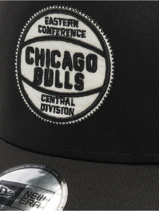 New Era Snapback Caps NBA Chicago Bulls Felt Patch czarny