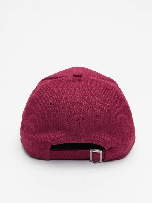 New Era Snapback Caps NY Yankkees Diamond Era Essential 9Forty czerwony