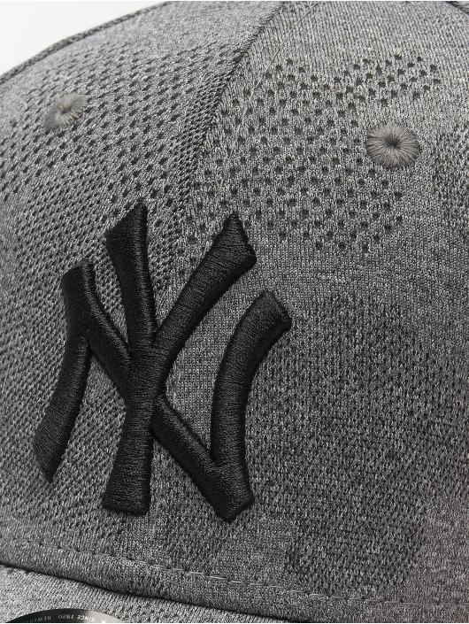 New Era Snapback Caps MLB NY Yankees Engineered Plus 9Forty svart