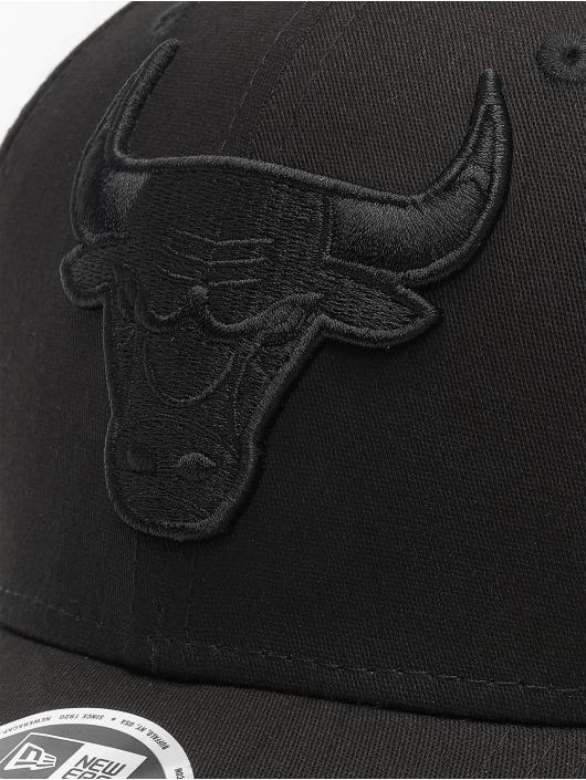 New Era Snapback Caps NBA Chicago Bulls Black On Black 9Forty svart