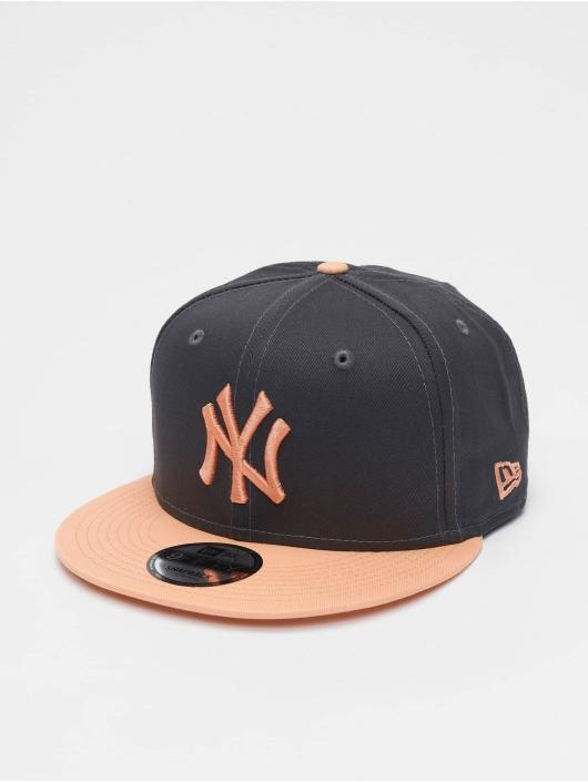 New Era Snapback Caps MLB New York Yankees League Essential 9fifty szary