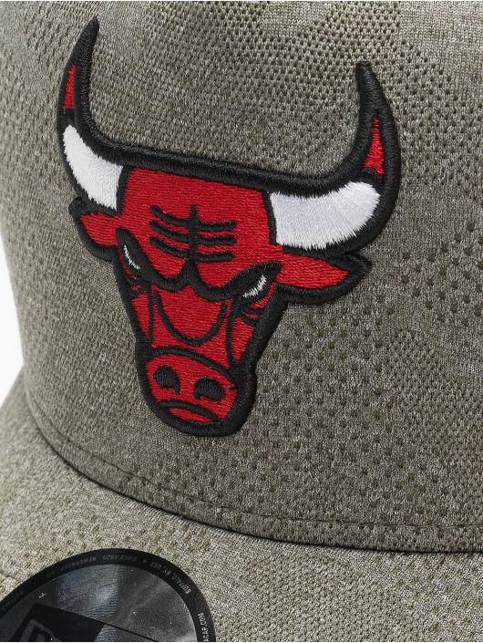 New Era Snapback NBA Chicago Bulls Engineered Plus Aframe olivová