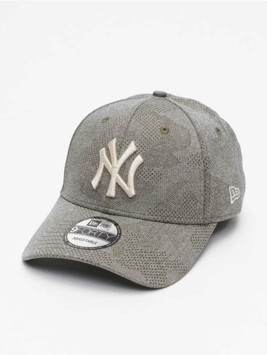 New Era Snapback MLB NY Yankees Engineered Plus 9Forty olivová