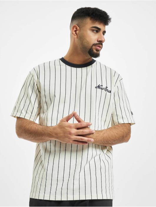 New Era T-Shirt Pinstripe Oversized blanc