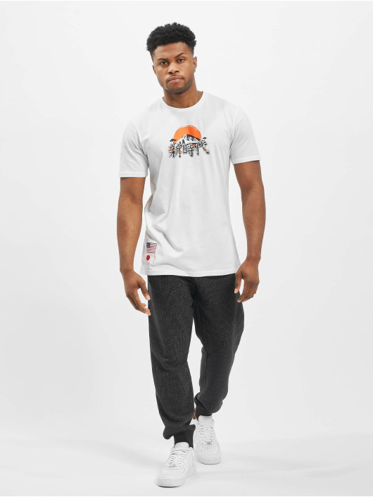 New Era T-Shirt Far East Graphic white