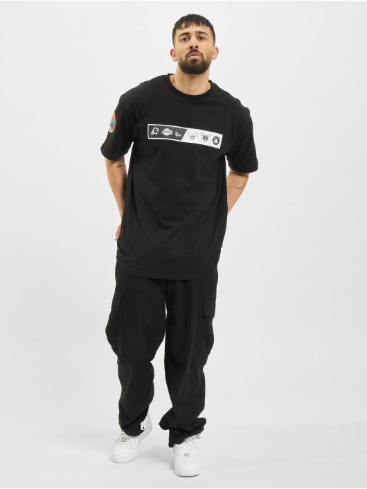 New Era t-shirt NBA Oversized Logo Eastwest Coast zwart