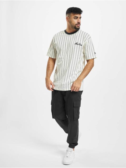 New Era T-Shirty Pinstripe Oversized bialy