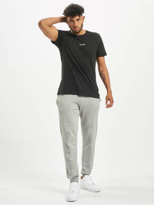 New Era T-Shirty Essential czarny