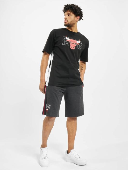 New Era T-Shirty NBA Chicago Bulls Oversized Fit czarny