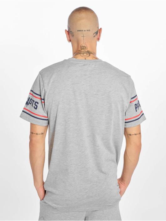 New Era T-Shirty NFL New England Patriots Badge szary