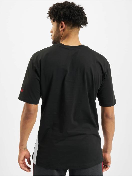 New Era T-skjorter NBA Chicago Bulls Oversized Fit svart