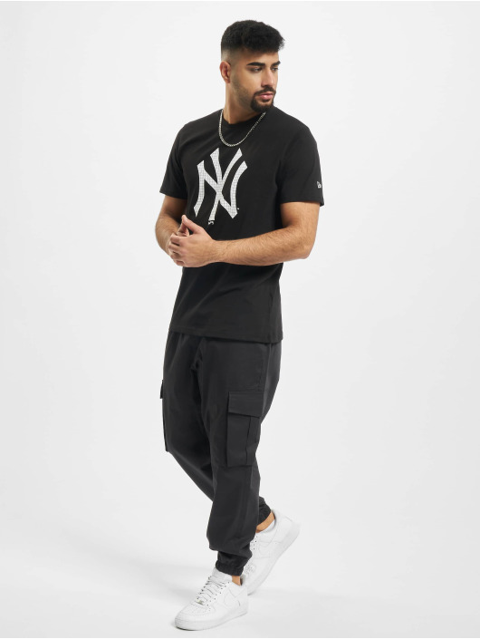 New Era T-skjorter MLB Infill Team Logo New York Yankees svart