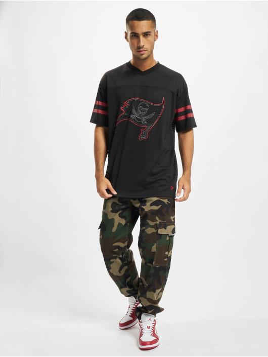 New Era T-skjorter NFL Tampa Bay Buccaneers Outline Logo Oversized svart