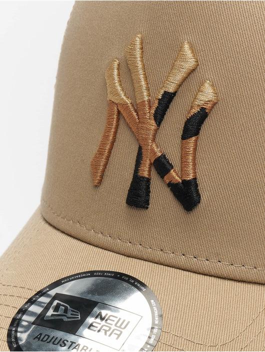 New Era Trucker Cap MLB New York Yankees Camo Infill 9forty A-Frame beige