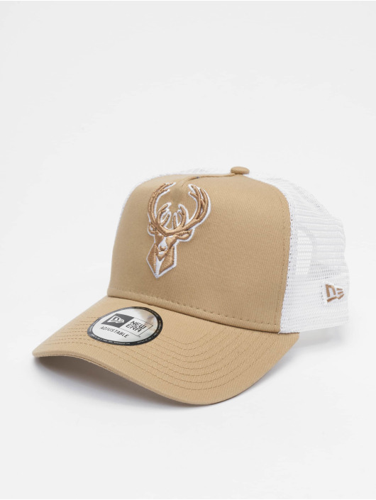 New Era Trucker Caps NBA Milwaukee Bucks Essential 9forty A-Frame beige