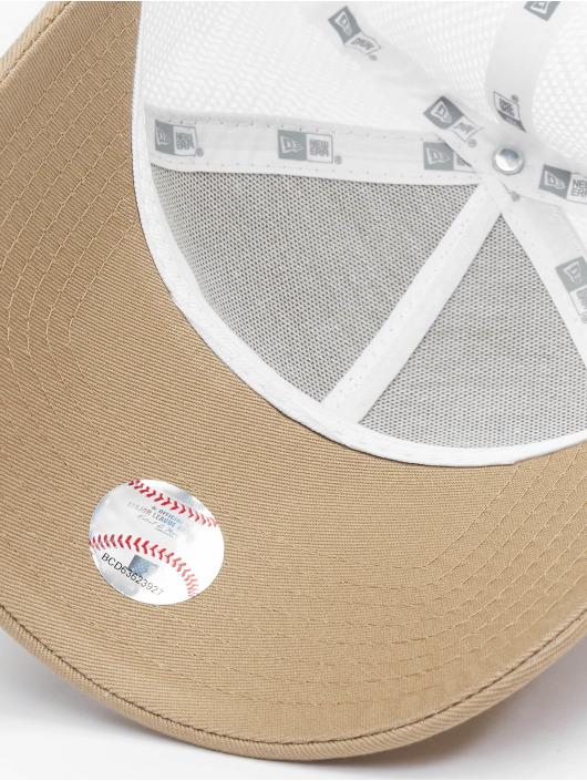 New Era Trucker Caps MLB New York Yankees League Essential 9forty A-Frame beige