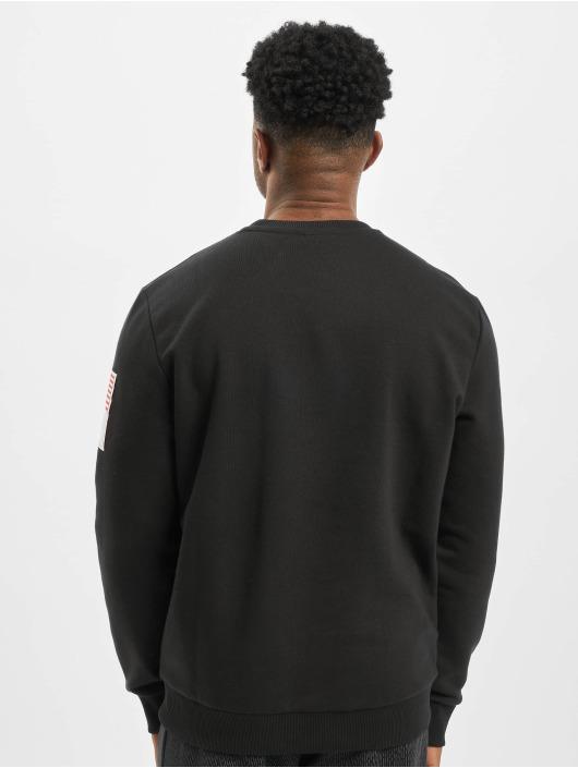 New Era trui Far East zwart