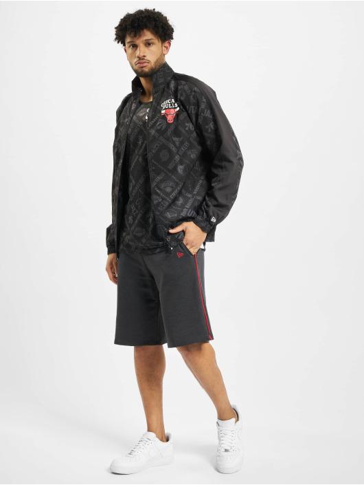 New Era Übergangsjacke NBA Chicgo Bulls Aop schwarz