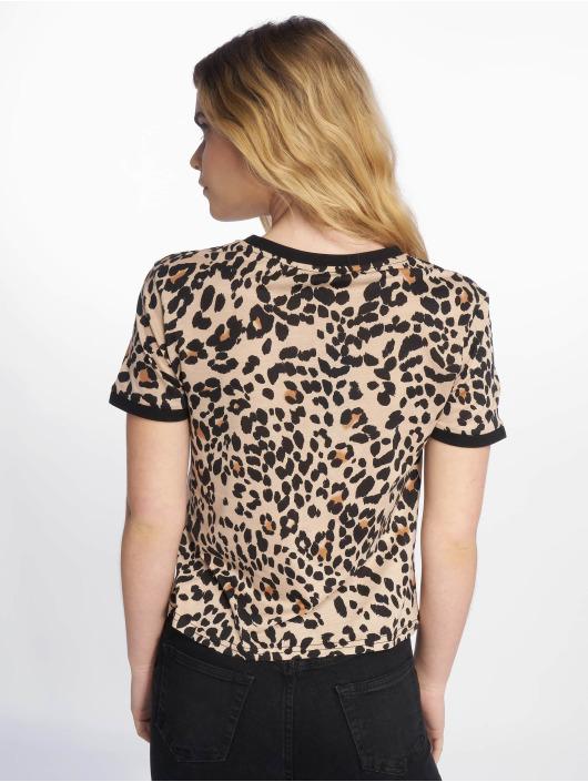 New Look t-shirt Leopard AOP bruin