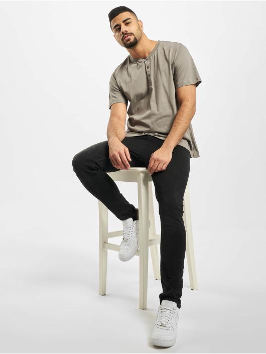 New York Style T-shirts Alrik grå