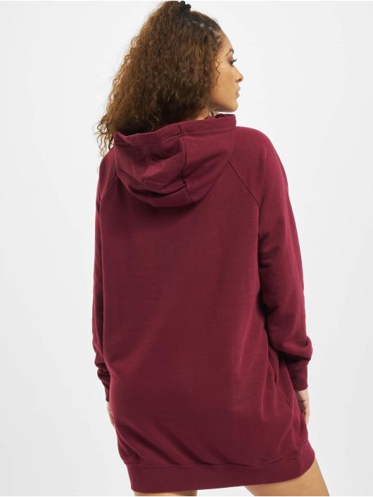 Nike Šaty Essential Fleece èervená