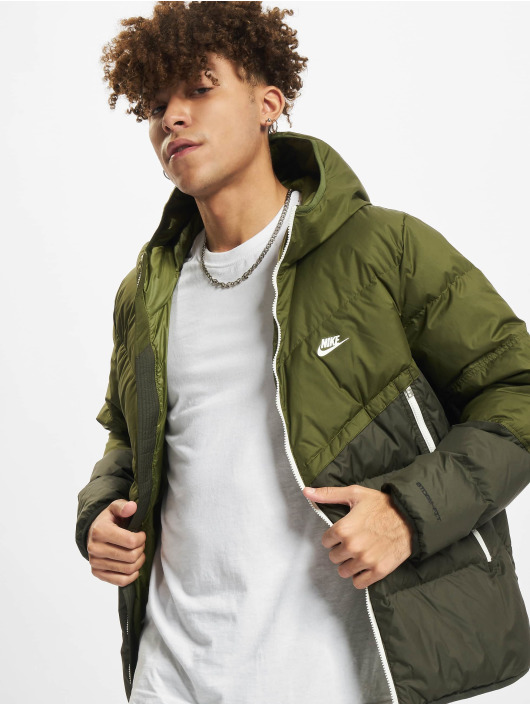 Nike Зимняя куртка NSW SF Windrunner Hooded зеленый
