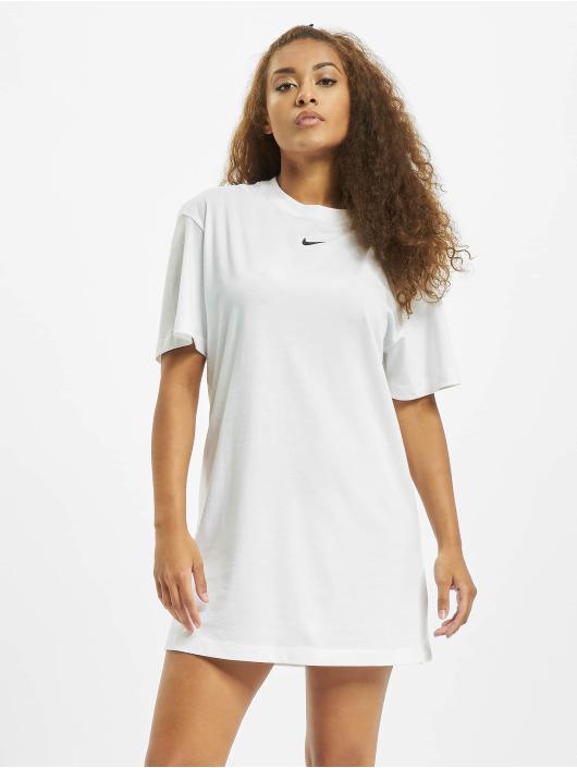 Nike Платья Essential белый