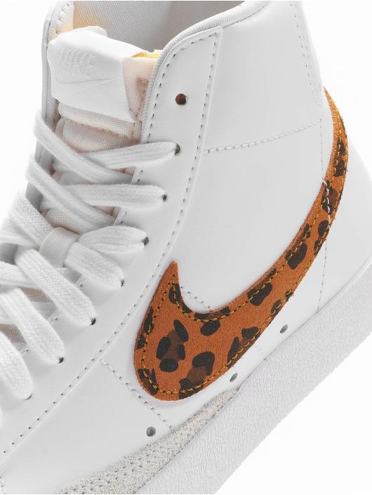 Nike Сникеры Blazer Mid '77 SE белый