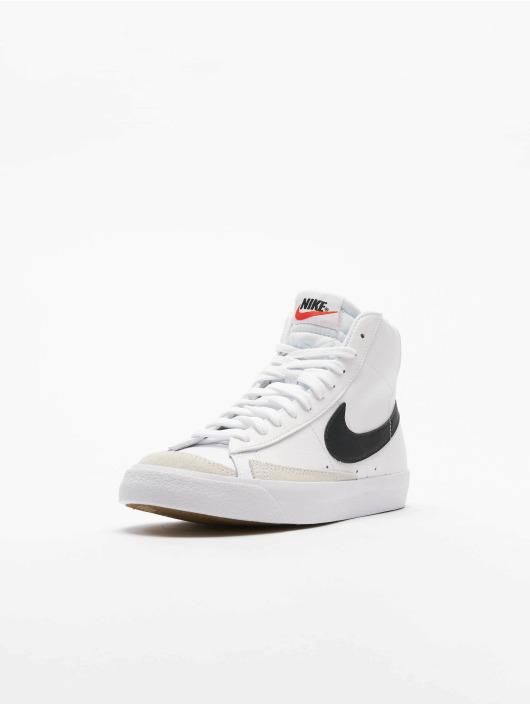 Nike Сникеры Blazer Mid '77 (GS) белый