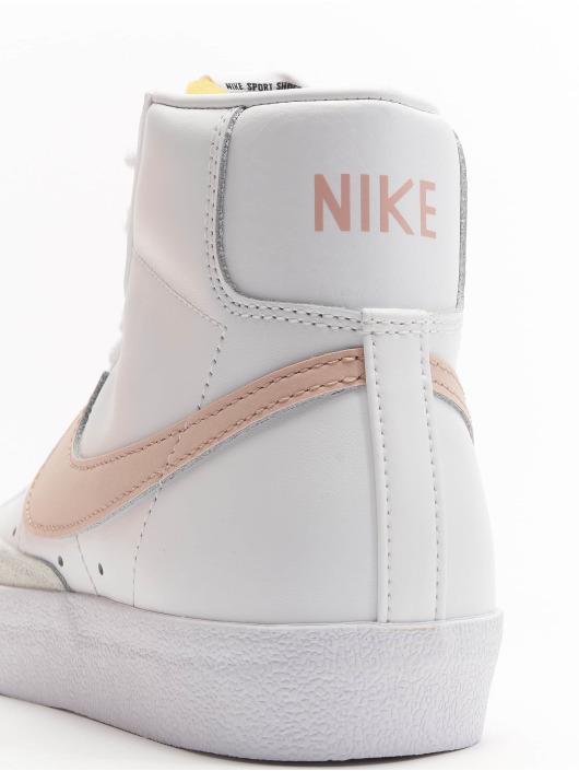 Nike Сникеры Blazer Mid '77 белый