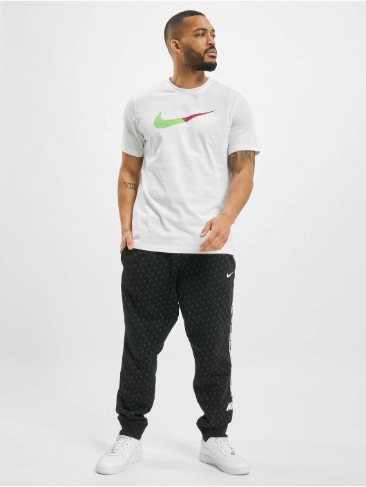 Nike Футболка Sportswear белый