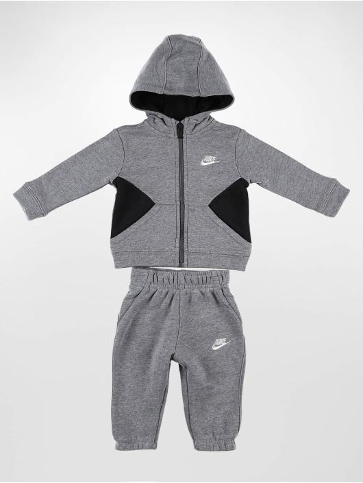 Nike Anzug Core grau