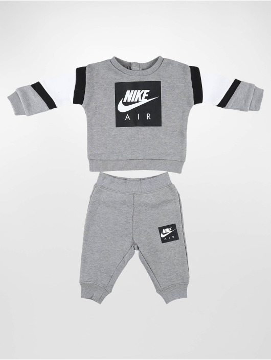 Nike Anzug Air grau