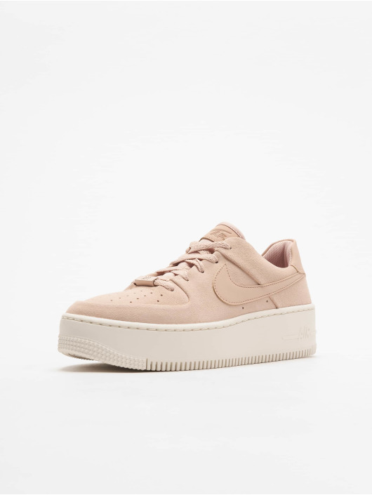 baskets nike air force 1 beige