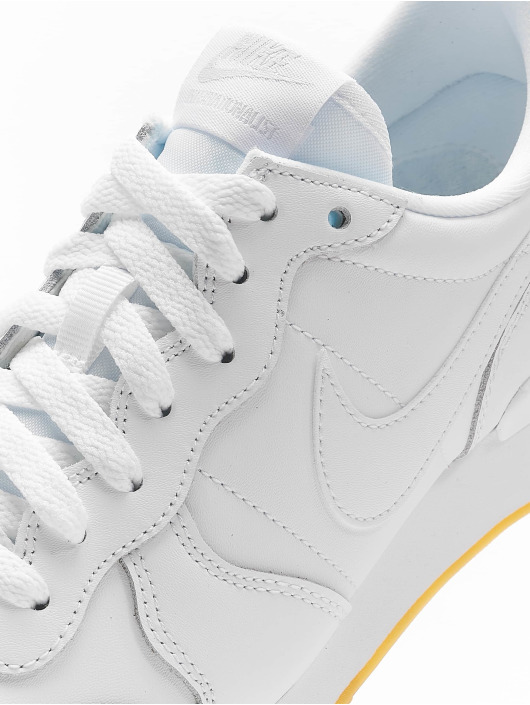 Nike Baskets Internationalist blanc