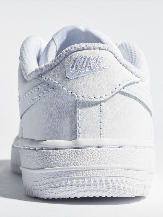 Nike Baskets Force 1 06 TD blanc