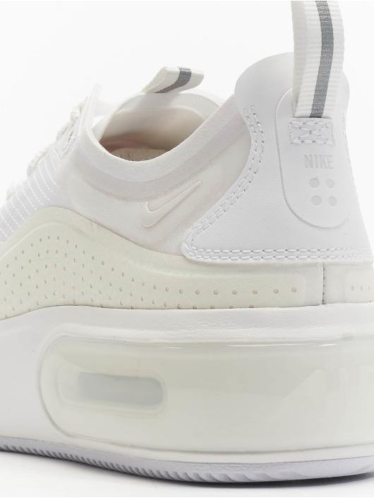 Nike Baskets Air Max Dia SE blanc