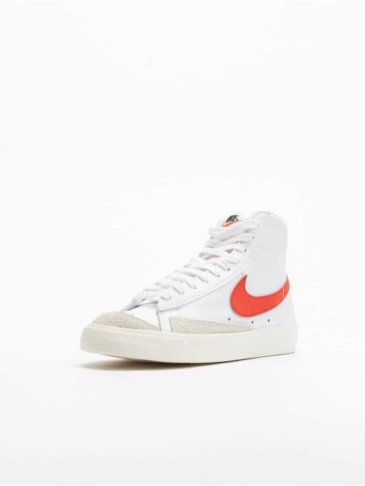 Nike Baskets Blazer Mid '77 blanc
