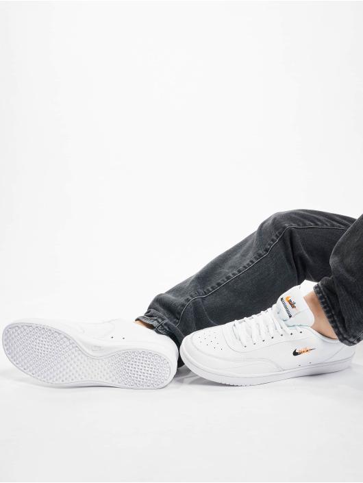 Nike Baskets Court Vintage Prem blanc