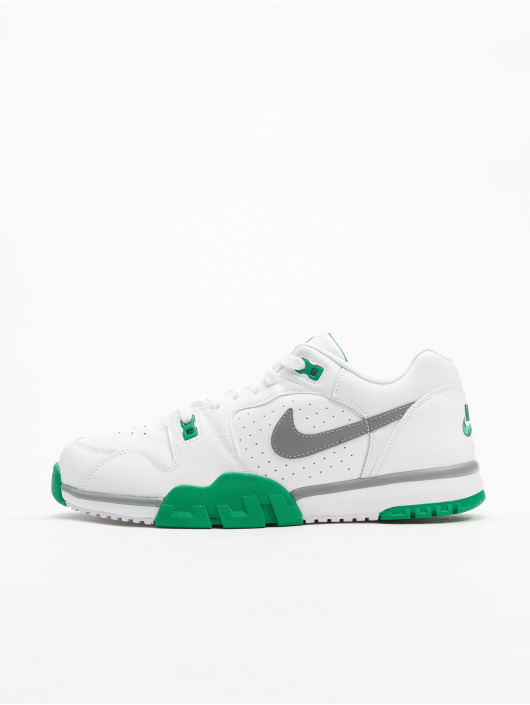 Nike Baskets Cross Trainer Low blanc