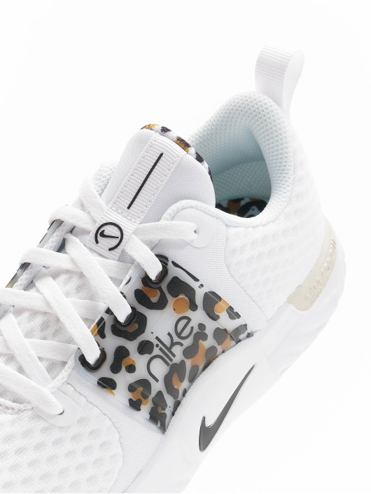 Nike Baskets Renew Inseason Tr 10 Prm blanc