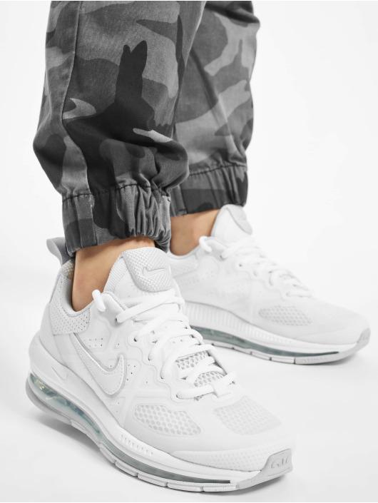 Nike Baskets Air Max Genome blanc