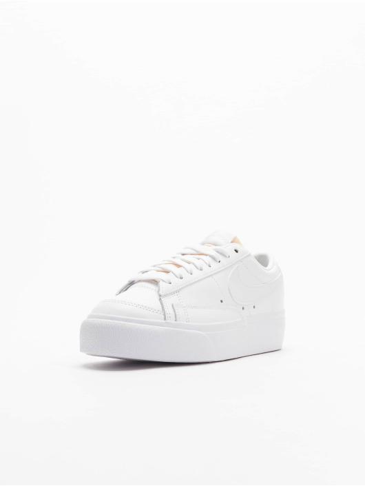 Nike Baskets Blazer Low Platform blanc