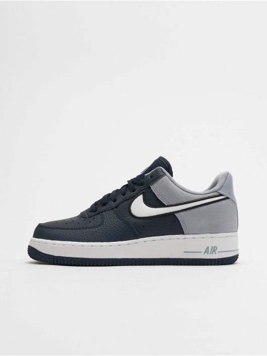 competitive price b7546 5ffc5 ... Nike Baskets Air Force 1  07 LV8 1 bleu ...
