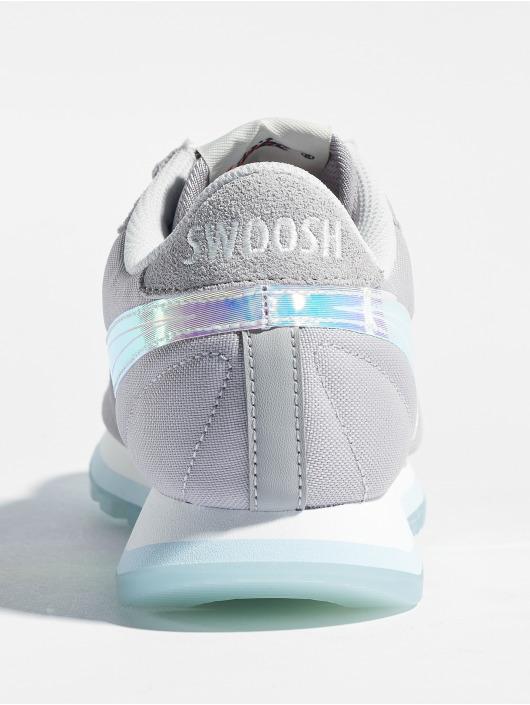 Nike Baskets Pre-Love O.x. gris