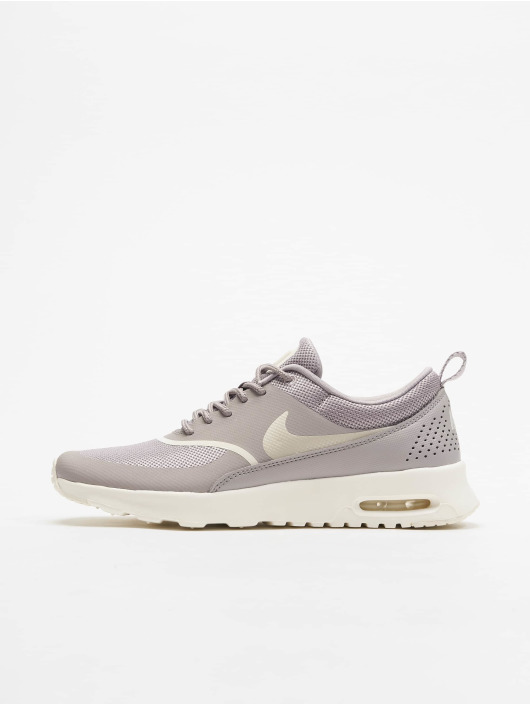 detailed pictures e13db eef99 ... Nike Baskets Air Max Thea gris ...