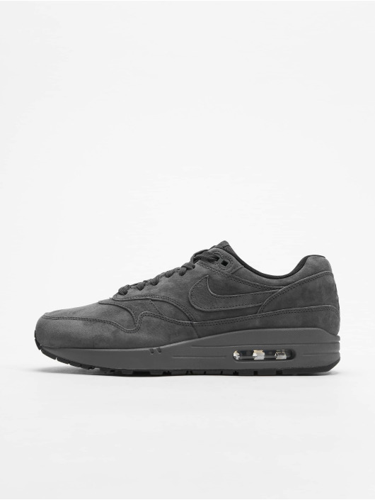 the best attitude 3df79 011c2 ... Nike Baskets Air Max 1 Premium gris ...