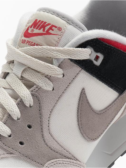 Nike Baskets Air Pegasus '89 SE gris